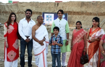 2. Star Plus Mahabharath actors at construction site of Vrindavan Chandrodaya Mandir