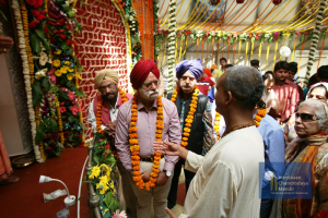 2. Temple Vice President, Communication greets Mr. Tulsi