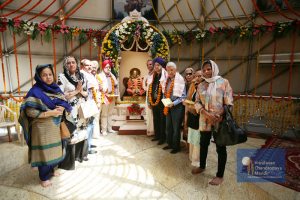 3. Mr.Tulsi along with his family payed tribute to Srila Prabhupada