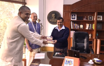 Chief Minister of Delhi Sri Arvind Kejriwal met devotees of Vrindavan Chandrodaya Mandir