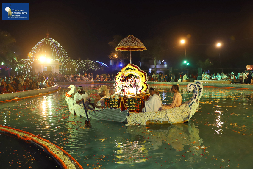 Deities enjoy the boat ride